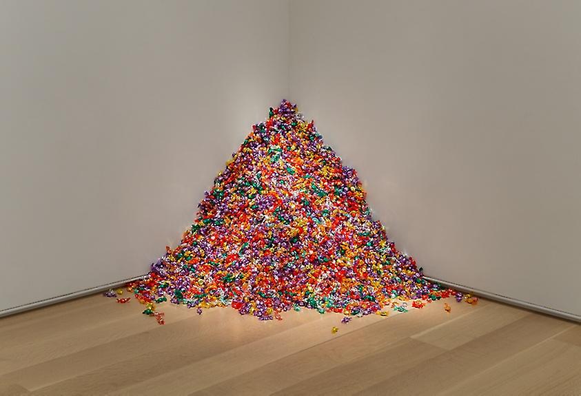Felix Gonzales Torres Candy Spill